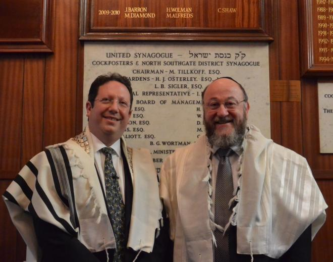 Rabbi Epstein (left) with Chief Rabbi Mirvis